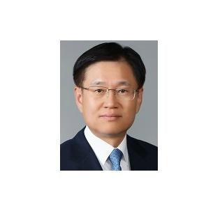 김덕중(경제78, 제20대 국세청장, 중우장학회 감사) 동문, '국세청 베테랑' 모인 세무법인 화우