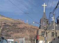 """""""시닝""""은 중국 서북쪽 티벳 입구의 가난한 도시다."""