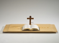 최기(공예92) 동문, 목공예품(목재성물 -벽걸이 십자가, 탁상용 십자가, 독서대, 기도대) 상설 전시 및 판매