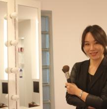 우현증(서양화93) 메이크업 아티스트, '나는 얼굴에 그림을 그린다'